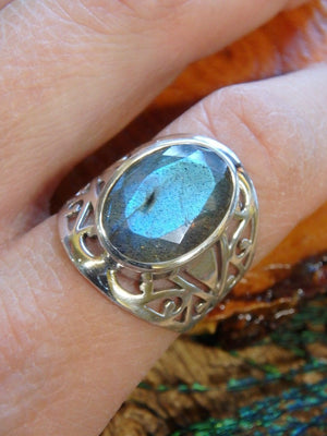 Amazing Design! Faceted Blue Flash Labradorite Ring In Sterling Silver (Size 9) - Earth Family Crystals