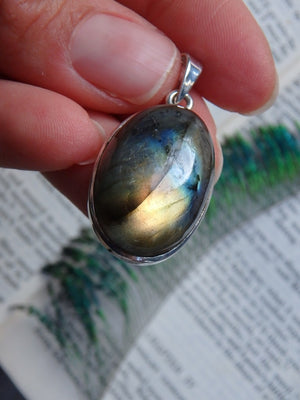 Golden Optical Glow Labradorite Pendant In Sterling Silver (Includes Silver Chain) - Earth Family Crystals