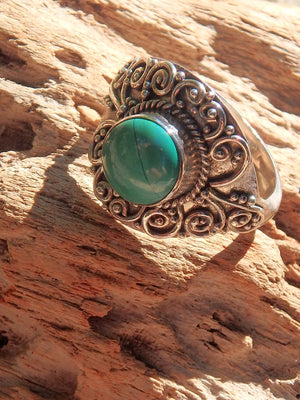 Malachite Green Serenity Ring in Sterling Silver (Size 8) - Earth Family Crystals