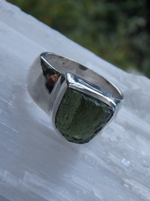 Powerful Raw Green Genuine Moldavite Ring In Sterling Silver (Size 7.5) - Earth Family Crystals
