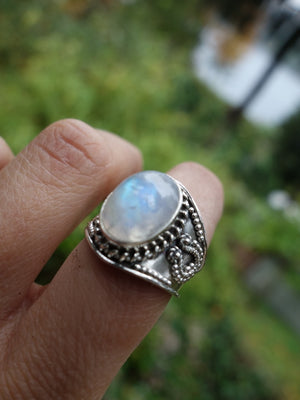 Fantastic Flashes & Style Rainbow Moonstone Ring In Sterling Silver (Size 7.5) - Earth Family Crystals