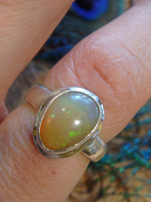 Creamy Yellow Sparkles of Flash Ethiopian Opal Ring In Sterling Silver (Size 7) - Earth Family Crystals