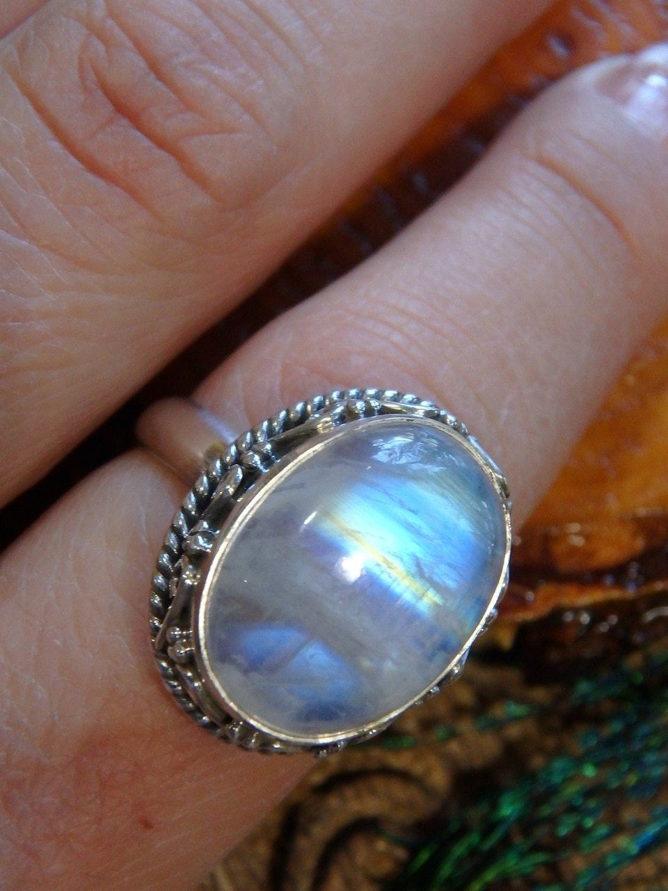 Amazing Design Gorgeous Glowing Rainbow Moonstone Ring In