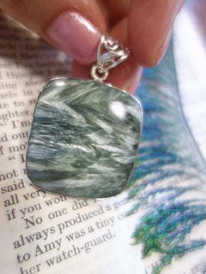 Curious Silver Angel Wings Large Seraphinite Pendant In Sterling Silver (Includes Silver Chain) - Earth Family Crystals