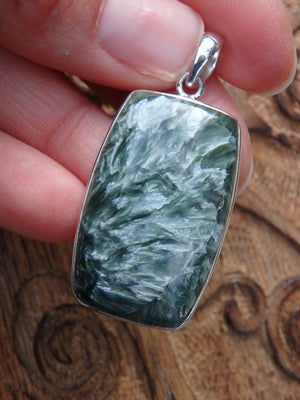 Incredible Silver Angel Wings Seraphinite Pendant In Sterling Silver (Includes Silver Chain) - Earth Family Crystals