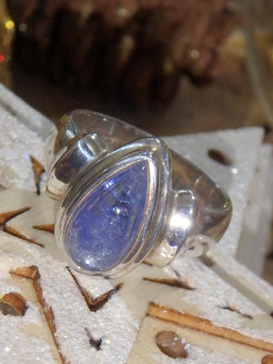 Optical Lilac Tanzanite Ring in Sterling Silver (Size 7) - Earth Family Crystals