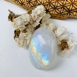 Stunning Oval Flashy Rainbow Moonstone Cabochon Ideal for Crafting #4