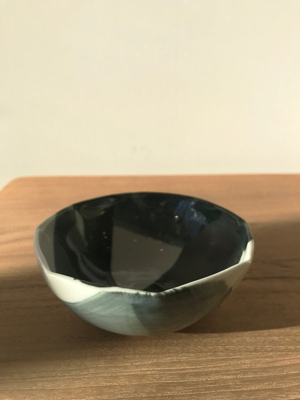 Criss Cross Sauce Bowl