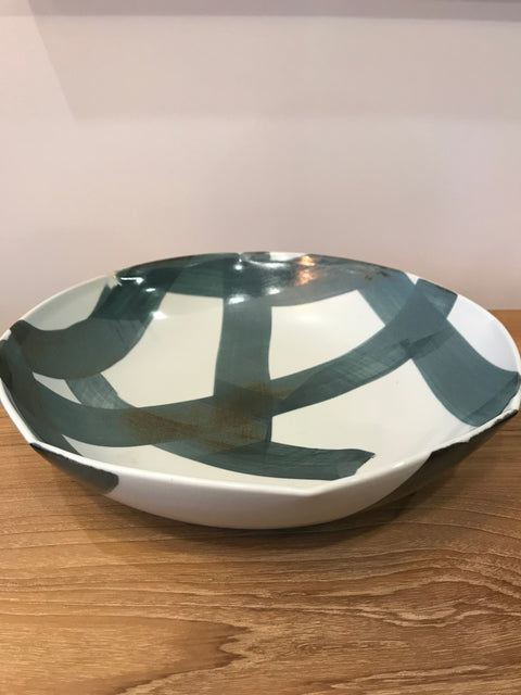 Criss Cross Serving Bowl