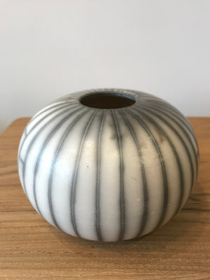 Black Line Naked Raku White Craquele -small