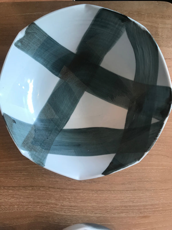 Criss Cross Salad Bowl