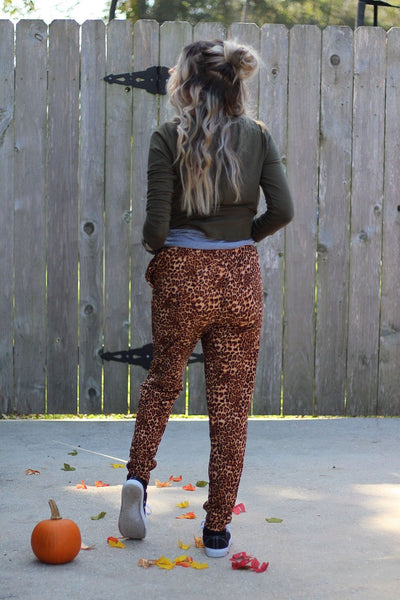 Run for it leopard joggers