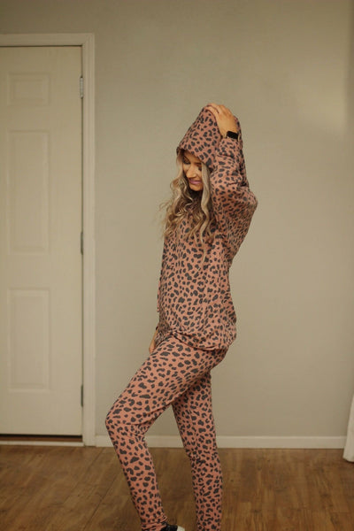 Lounging leopard hooded pullover