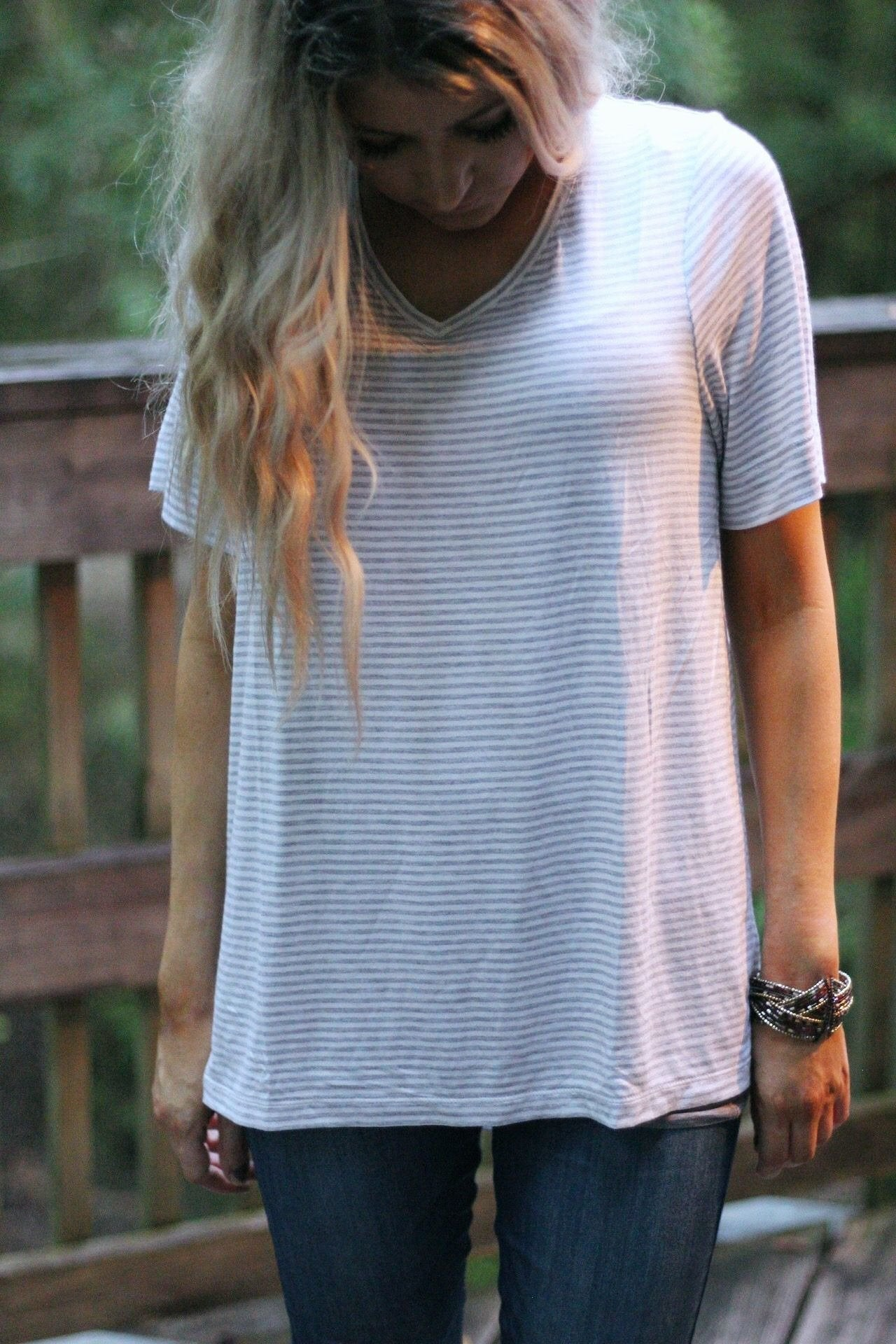 Simply striped v neck tee in heathered grey