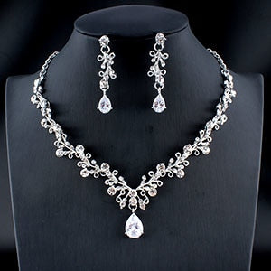 Necklace and earrings set