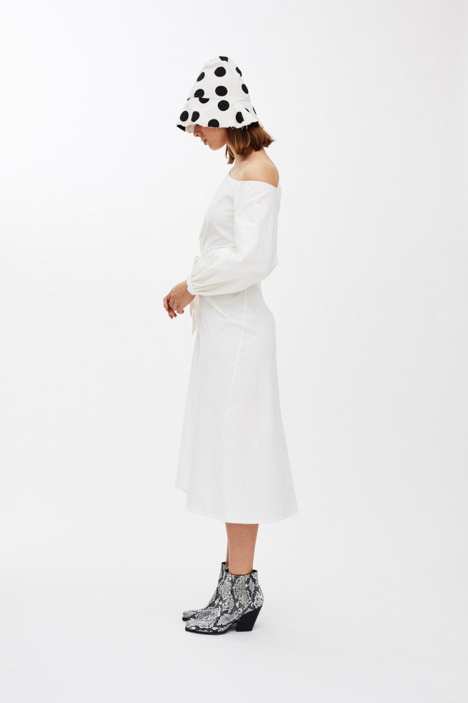 SMITH - WHITE FRONT TIE DRESS / OFF THE SHOULDER