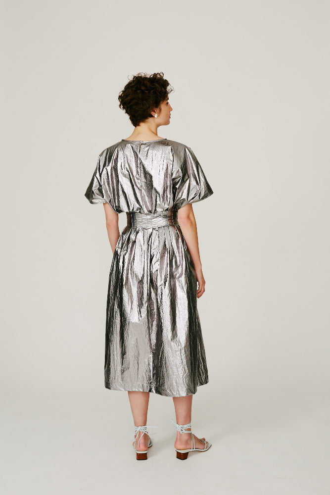 BRAMMER - PLEATED DRESS (SILVER)