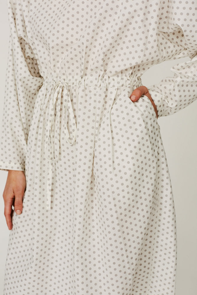KAPER WHITE/GREY POLKA DOT DRAWSTRING DRESS