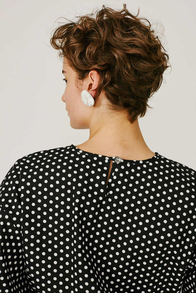 ORLANDO - DRAWSTRING TOP (BLACK/WHITE POLKA DOTS)
