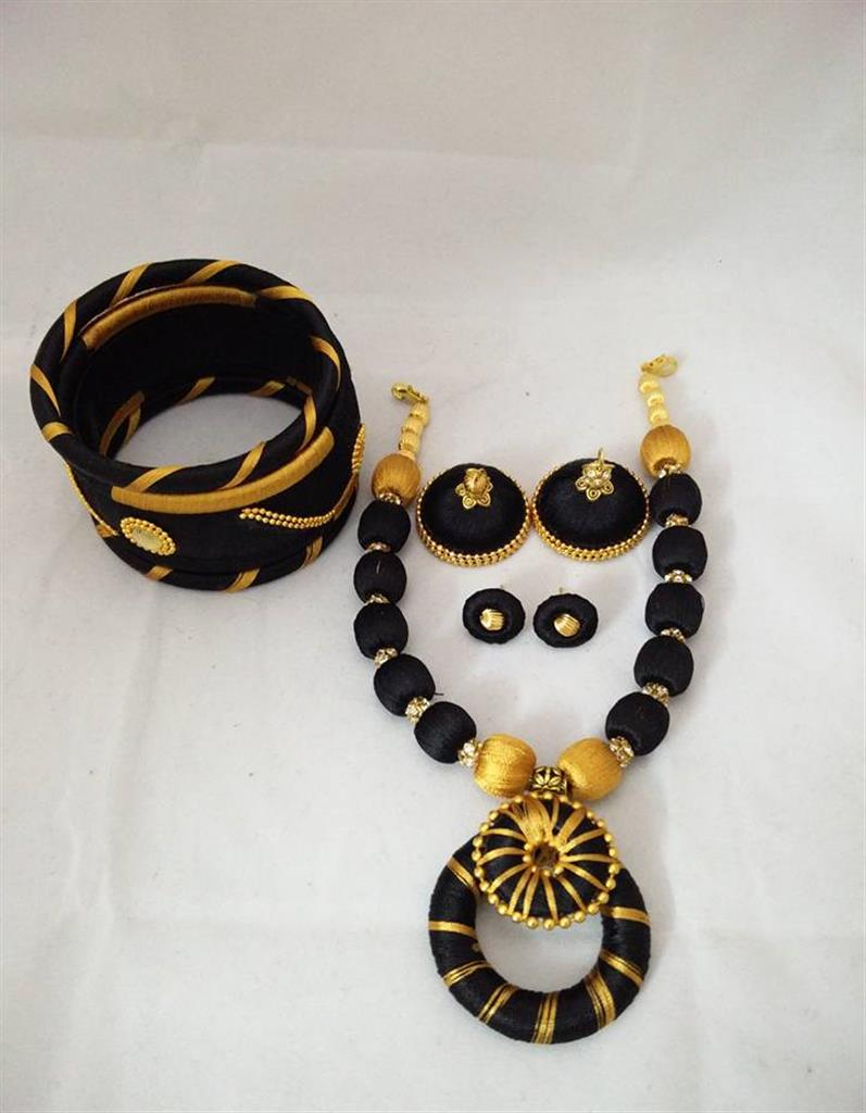 Silk Thread Jewellery Set