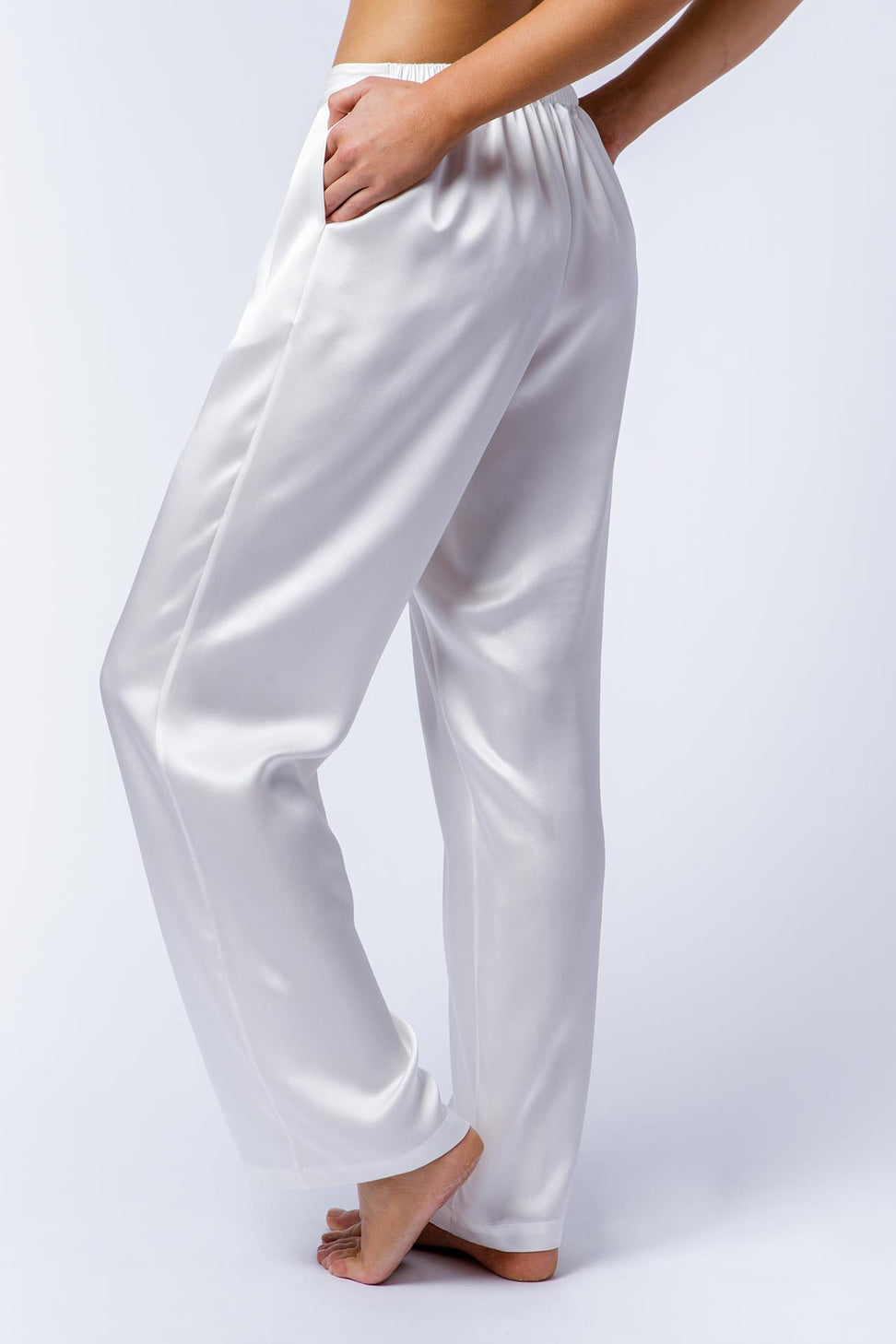 Ann silk pants side view