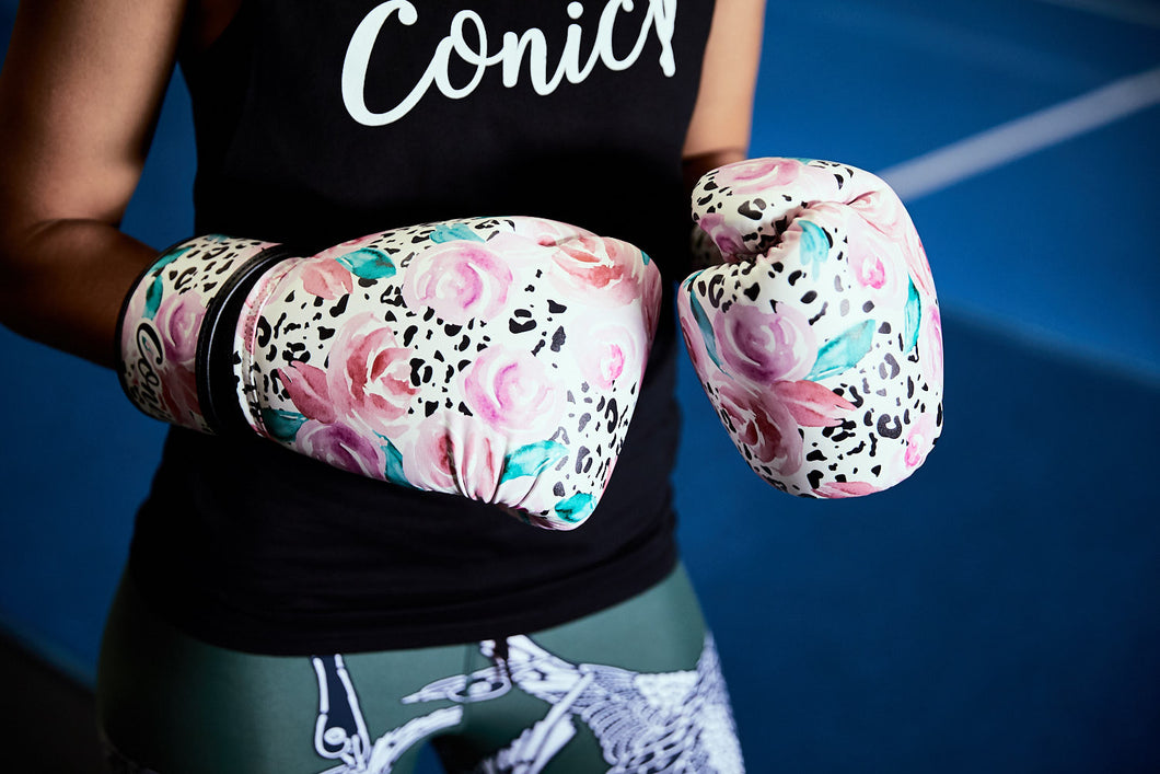 Conic spirit boxing gloves