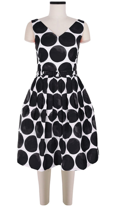 Sleeveless | Whitney Dots | White Black | Front | Dress By Samantha Sung