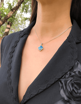 Ocean Blue Crystal  Necklace, Shades of Blue and Beachy
