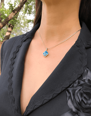 Oflara Ocean Blue Crystal  Necklace, Shades of Blue and Beachy (Real Look)