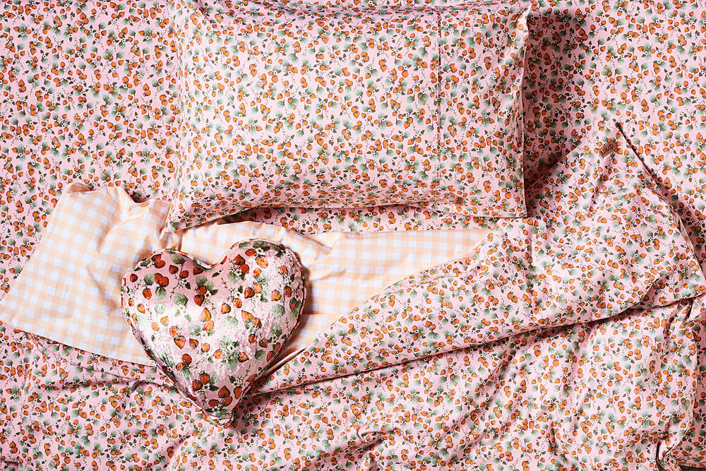 Kip and co the patch peach reversible gingham quilt cover | The Home Maven