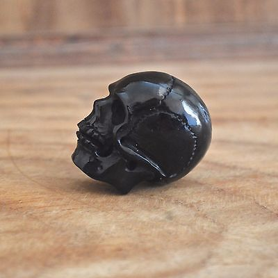 Lot-10Pcs-Hand-Carved-35-40mm-Human-Skull-Natural-Buffalo-Horn-Carving-Undrilled