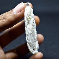 Hand-Carved-Popinjay-Parrot-2-9-Natural-Buffalo-Bone-Pendant-Bead-BP3615