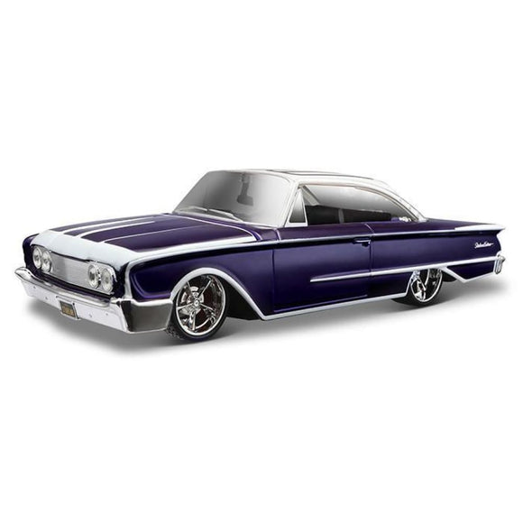 Maisto Design - 1:25 1960 Ford Starliner - Deep Purple Black And White Die Cast Cars