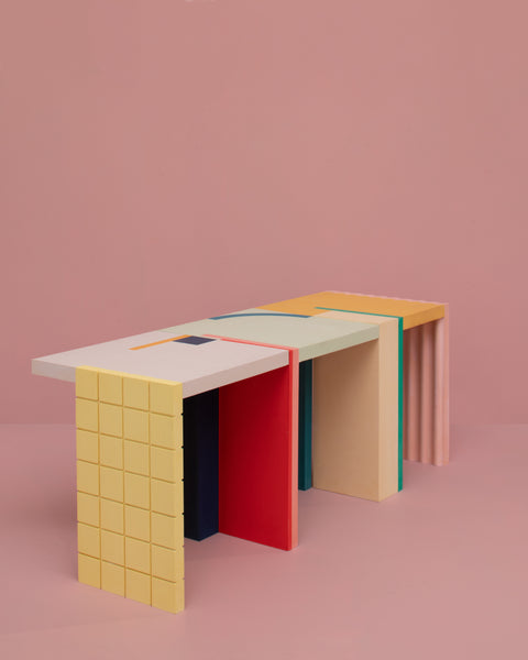 GRAPHIC table Lila