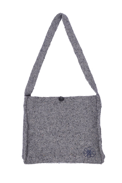 RE knit shoulder bag (White Gray × Navy)