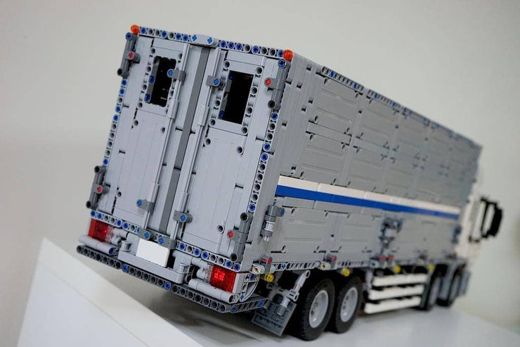 Remote Controlled Cargo Truck 4380pcs