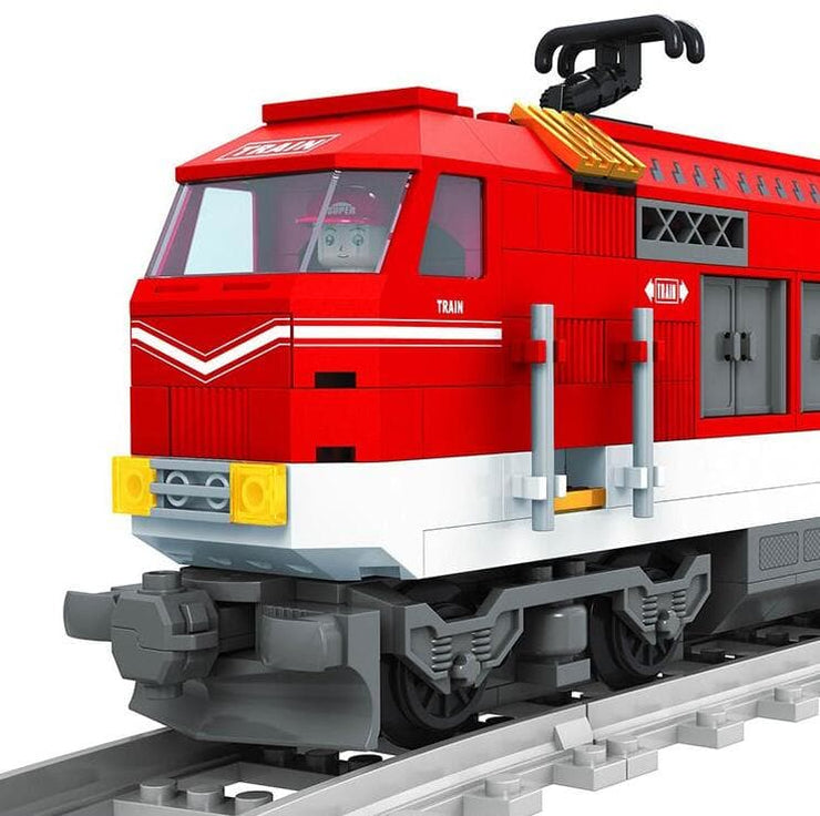 Passenger Train with Freight Carriage 588pcs