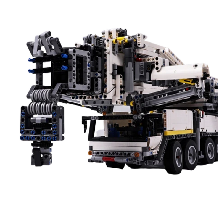Remote Controlled Crane 7705pcs