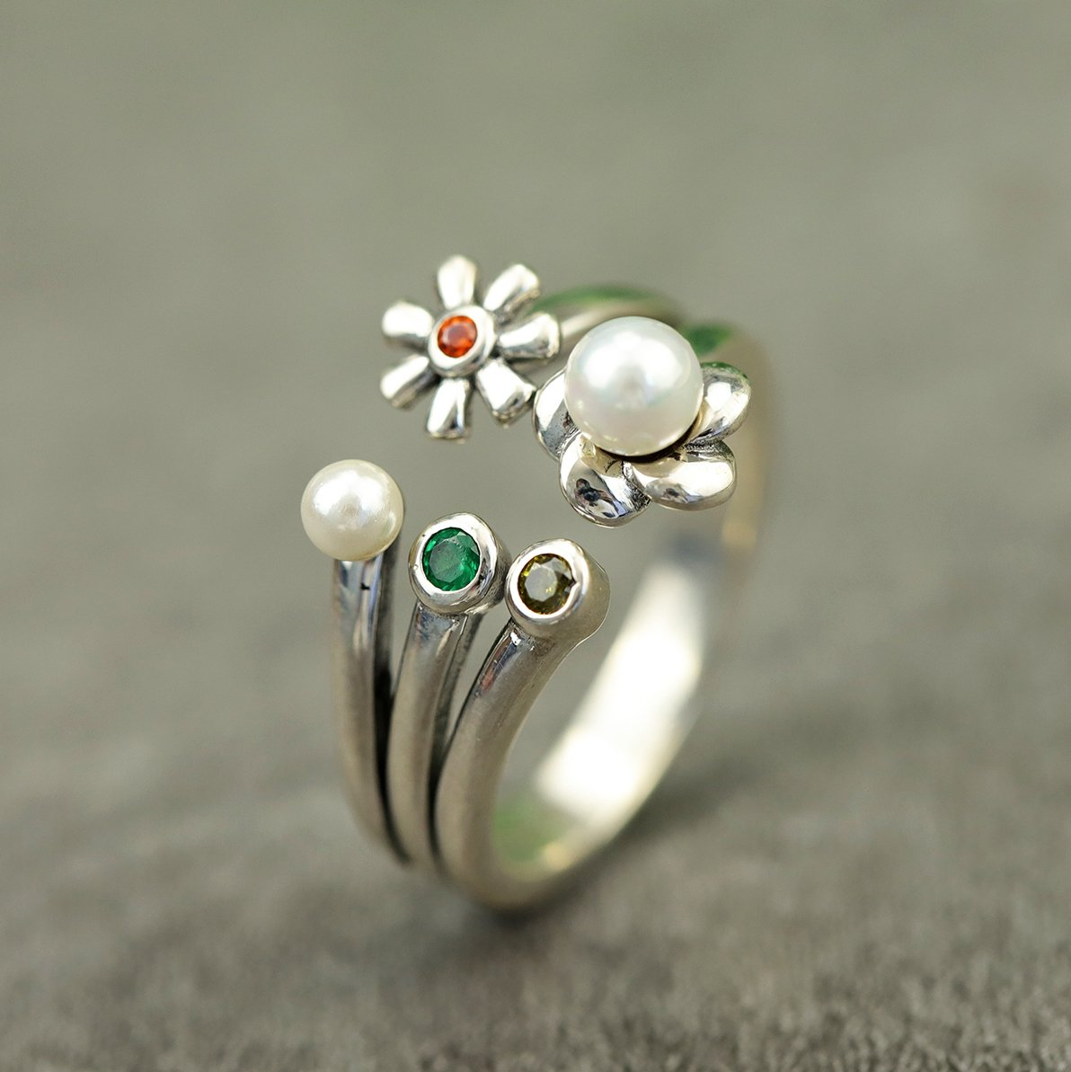 Daisy Flower Pearl Adjustable Ring
