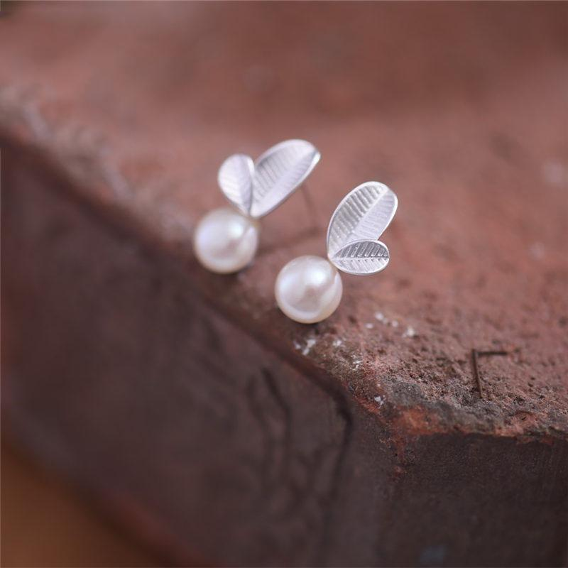 Silver Favorite Pearl Leaves Earrings