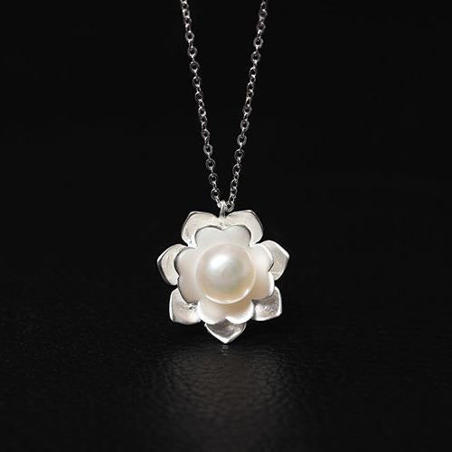 Handmade Pearl Flower Necklace
