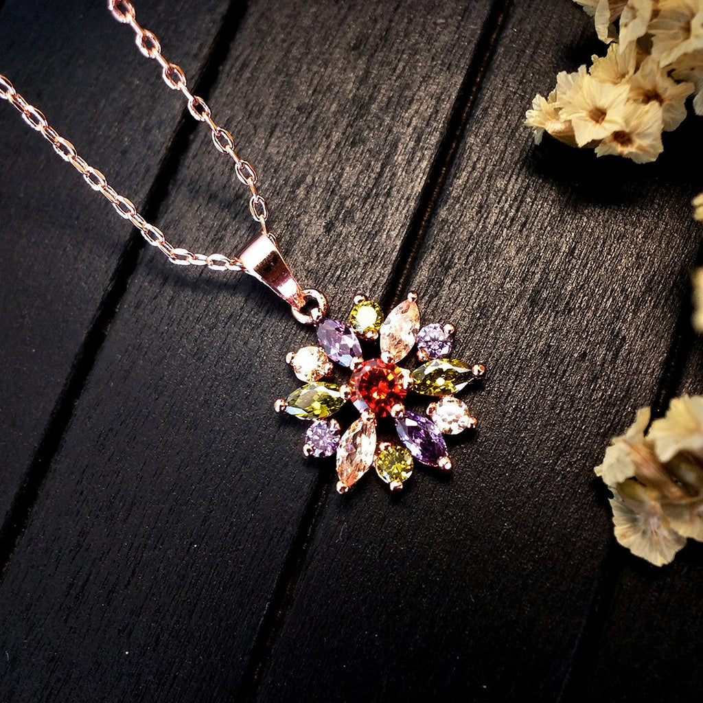 Stunning Flower Silver Necklace