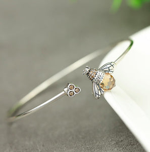Lovely Bee Kiss Bangle