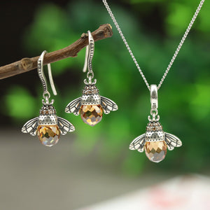 Lovely Bee Kiss Jewelry Set