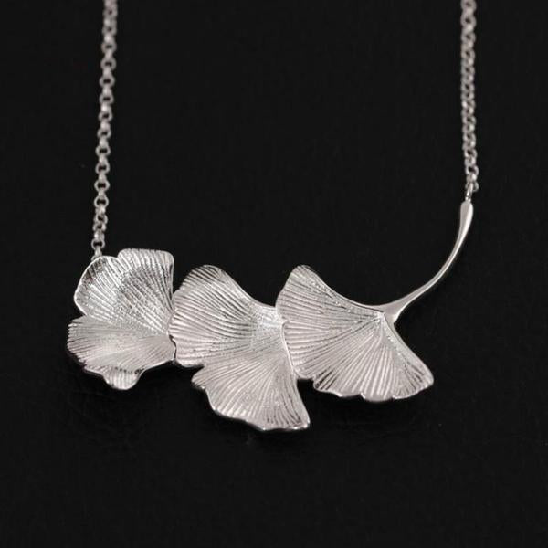 Vintage Three Ginkgo Leaves Necklace