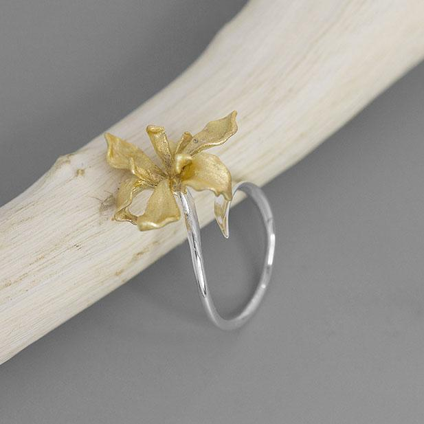 Charming Irises Adjustable Open Ring
