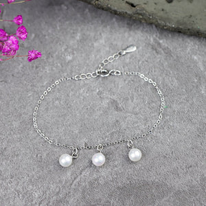 Chic Pearls Adjustable Bracelet