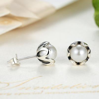 Fresh Charm Pearl Earrings