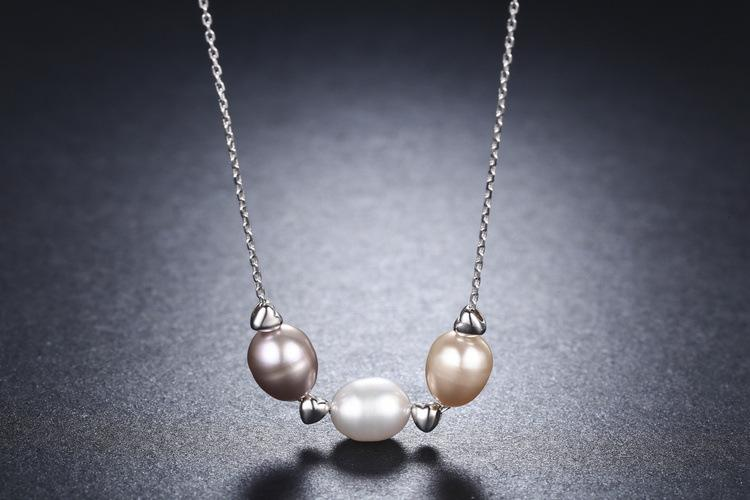 Pretty Pearls Silver Necklace