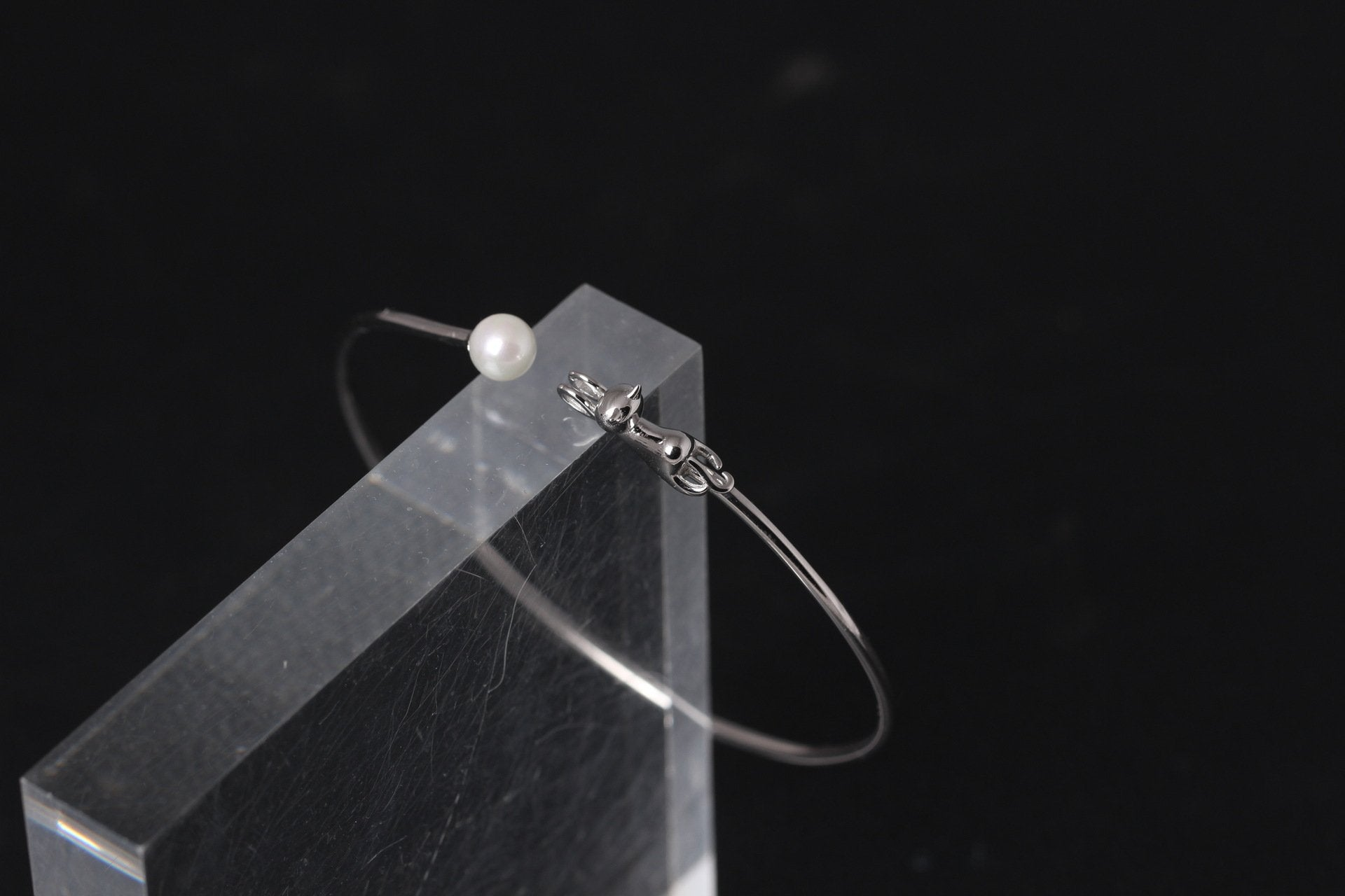 Sweet Cat Pearl Silver Bangle